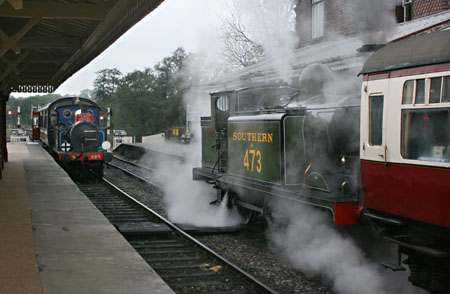B473 with Wealden Rambler and 323 with Autumn Tints - Tony Sullivan - 20 October 2011