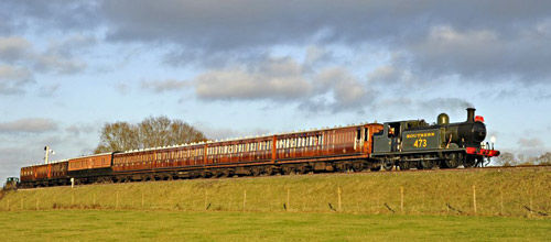B473 just south of New Road Bridge with Victorian Christmas Special - Derek Hayward - 22 December 2011