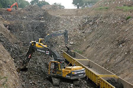 Loading the Waste by Rail train - Tony Sullivan - 21 July 2011