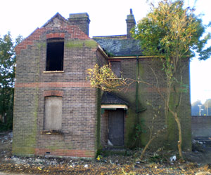 Railway workman's cottage at Haywards Heath - Richard Clark - 1 Oct 2011