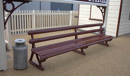 Platform Bench at Sheffield Park - John Sandys - 27 Oct 2011