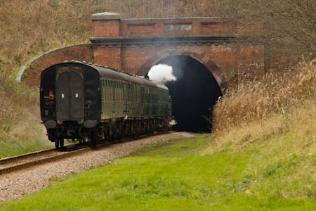 B473 about to enter the tunnel - Ben Gray - 8 January 2012