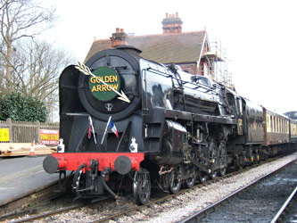9F at the head of the Golden Arrow - Mike Lee - 14 April 2012
