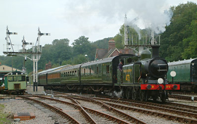 The E4 with a matching 5-coach set in Southern Olive - David Chappell - 9 September 2012