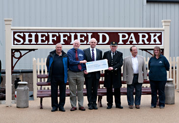 Bachmann cheque presentation - Dave Suart - 16 July 2012
