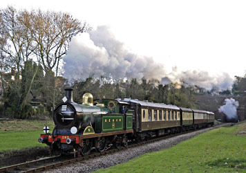 H-class with the Lunchtime Pullman train - Derek Hayward - 18 November 2012