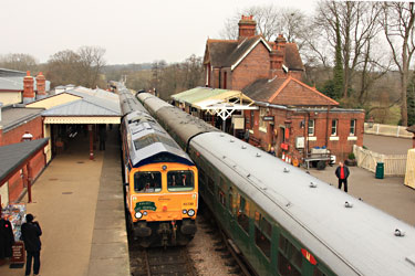Charter arrives at Sheffield Park - Graham Court - 28 March 2013
