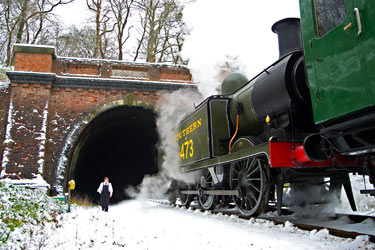 B473 waits for permission to pass through the tunnel - Martin Lawrence - 19 January 2013