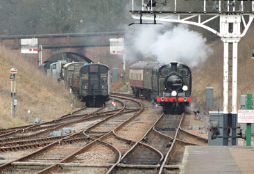 E4 approaches Horsted Keynes - Cameron Smith - 6 Jan 2013