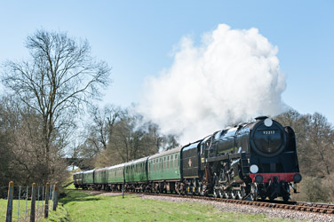 92212 approaches Horsted Keynes - Chris Rigby - 20 April 2013