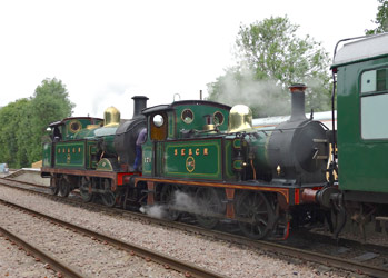 178 and 263 at East Grinstead - Brian Lacey - 12 June 2013