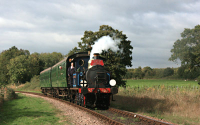 323 approaches Sheffield Park with Autumn Tints service - Tony Sullivan - 10 Oct 2013