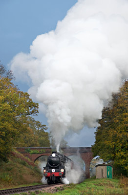 The guard flags the 5pm train away from East Grinstead - Mark Tickner - 6 Oct 2013