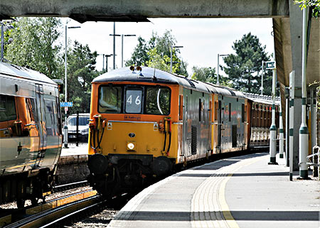 Mets on Network Rail at East Grinstead - Julian Clark - 17 June 2019