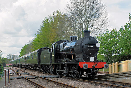 30541 arrives at Easr Grinstead - Brian Lacey - 2 May 2019