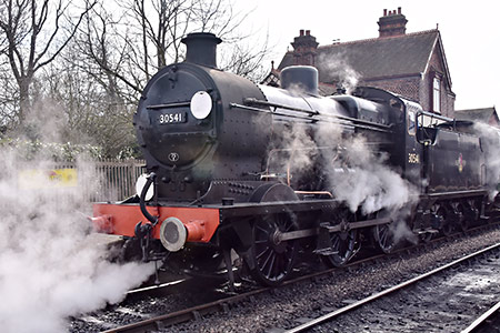 Q-class at Sheffield Park - John Sandys - 3 April 2019