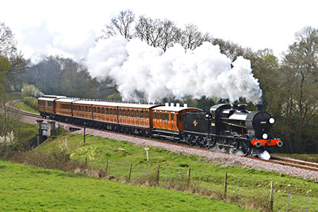 Q-class at Waterworks with teak carriages - Steve Lee - 13 April 2019