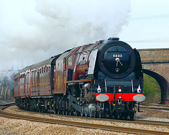 6233 at Monk Fryston (Yorkshire) - Foto43 (CC BY 2.0) - 12 April 2008