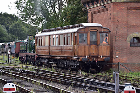 65 shunts the GNR Saloon - John Sandys - 12 September 2019
