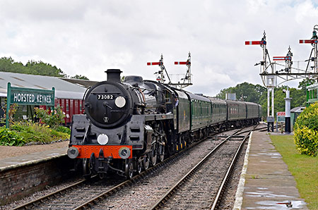 Camelot arrives at Horsted Keynes - Brian Lacey - 20 July 2019