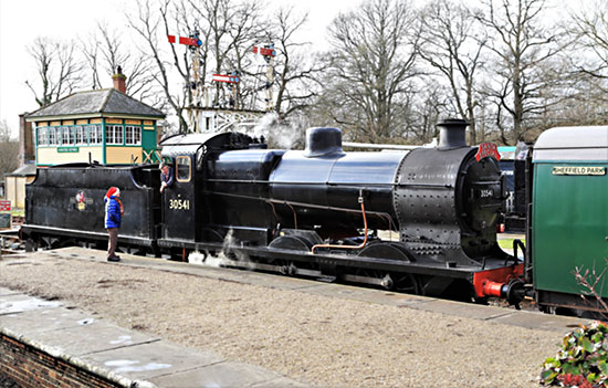 Q-class at Horsted Keynes - Alan Jenkins - 14 December 2019