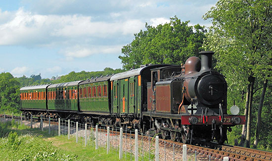 Birch Grove approaches Horsted Keynes from the north - Nigel Sealey - 8 June 2003
