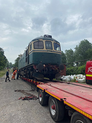 D6570 being loaded at Wittersham Road - Mike Hawkins - 1 July 2021