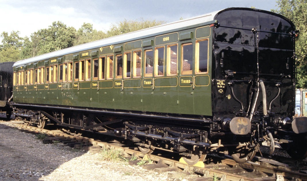 Vehicles With 3rd Row Seating >> Bluebell Railway Carriage No.1098